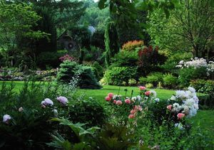 A Pinnacle Society Event: An Evening in the Garden Morrisville Vermont