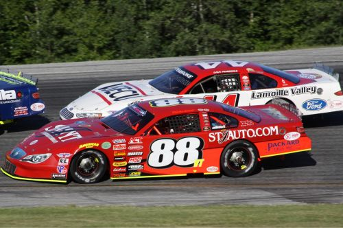 Nick Sweet (88VT) and Dave Pembroke (44VT) are separated by just three points atop the Thunder Road Late Model standings as the 2014 season enters the home stretch. (Photo by Alan Ward)