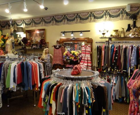 Village Clothier & Consignment Sister Bay Wisconsin