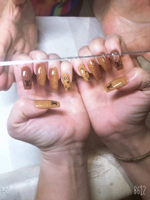 LUXE NAIL BAR INC Knoxville Tennessee